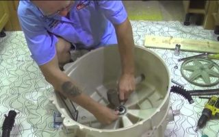 Как снять и разобрать бак стиральной машины своими руками