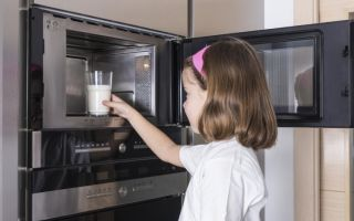 Детское питание в микроволновке: можно или нельзя разогревать